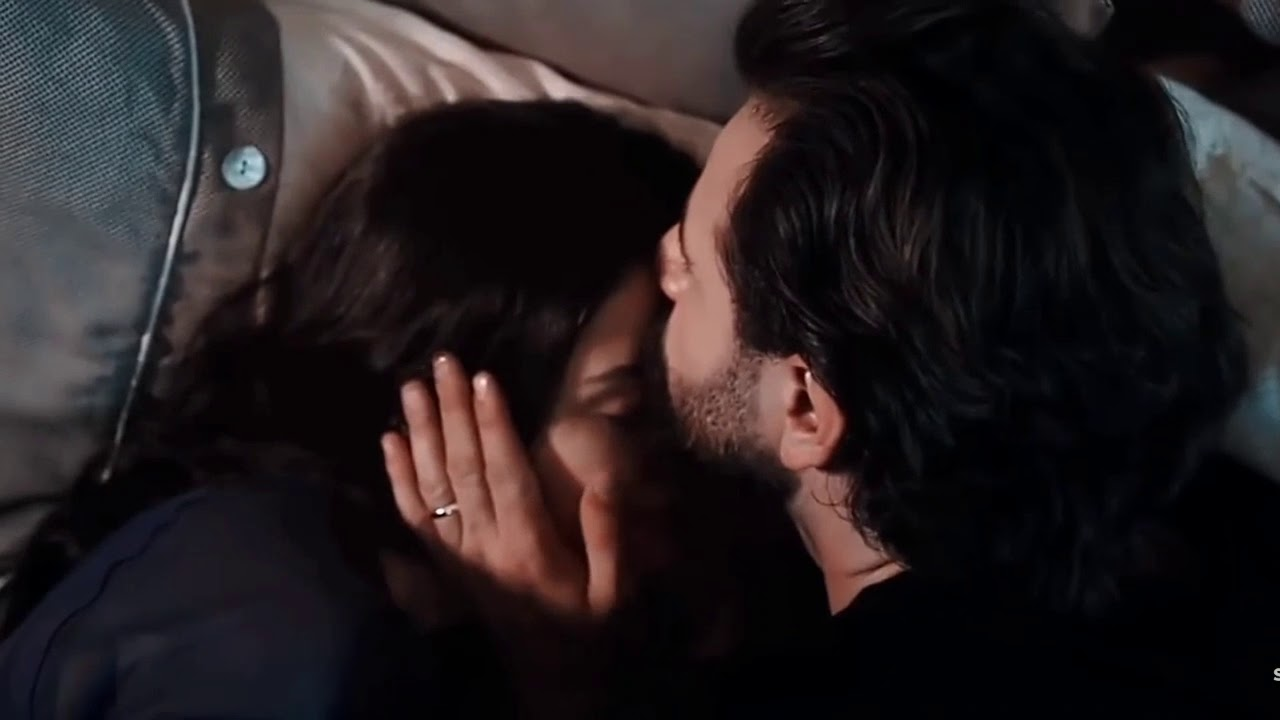 Lovely Persian Song with Romantic Turkish Serie (Listen with Headphone)