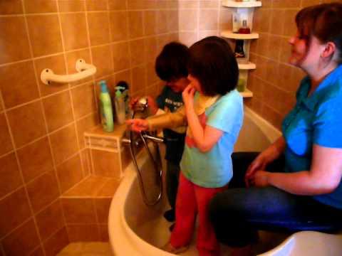 Děti ve vaně :o) thumbnail