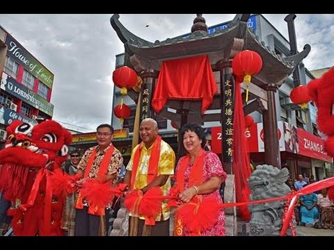 Fijian Prime Minister officiate the opening of the Fiji China Friend Pavillion.