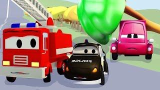 Der Streifenwagen mit dem Polizeiauto und dem Feuerwehrauto und Der Unfall des kleinen rosa Autos
