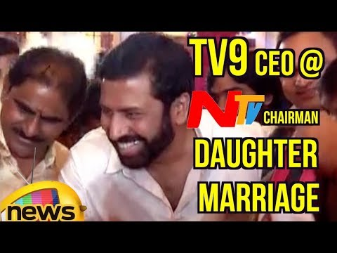 TV9 CEO Ravi Prakash Attends NTV Chairman Narendra Choudary's Daughter Rachana Marriage | Mango News