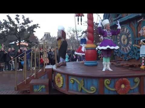 Disneyland Paris Christmas parade 2013 (Magic Everywhere) Full HD