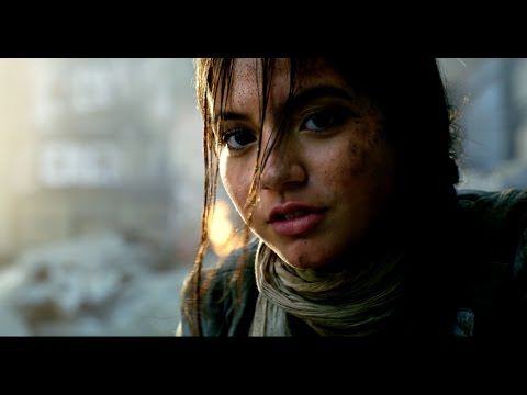 Transformers: The Last Knight Preview – Izzy Stays And Fights
