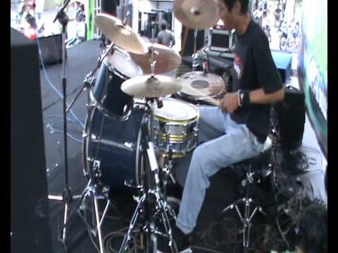 Suka suka/music by Reborn band