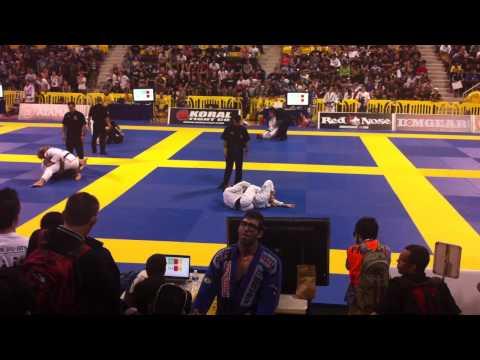 Koji Shibamoto Vs Bruno da Silva Ma 2011 BJJ Mundials Black belt fight