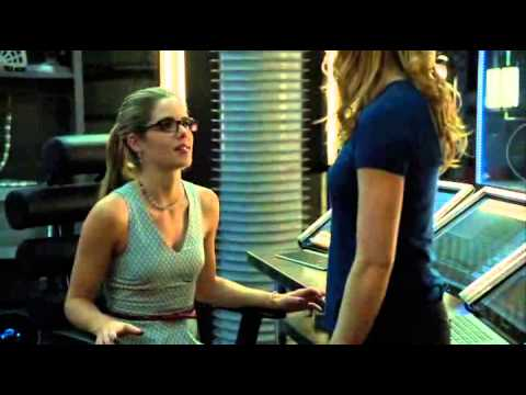 Felicity Smoak & Sara Lance deleted scene from 2x19