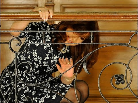01 de JUL. Cristina Fernández saludó a la militancia en los patios de Casa Rosada.