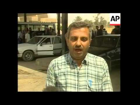 Long queues for fuel in oil rich Iraq