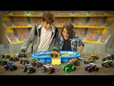 Monster Jam | Kinetic Dirt Arena Playset – Australia