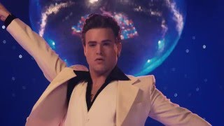 BACKSTAGE TV: Silas Holst fortæller om Saturday Night Fever The Musical