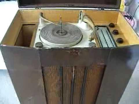 FOR SALE LlKE BUSH vintage Valve Radio Gramaphone Westminster demo of radio