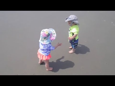 Adorable Babies Walking On Sand | Twins 1st Vacation | Myrtle Beach 2017 Day 4