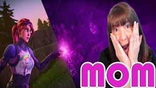 MOM PLAYS FORTNITE 💗 ZIP! ZIP! ZAPPP! POW! POW! BOING! 💗 FAMILY FRIENDLY STREAM  👨👩👦👦