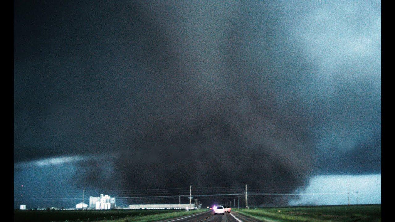 inside a tornado - 1280×720