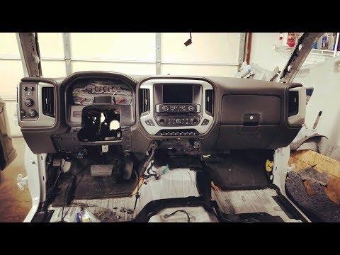 Rebuilding 2018 GMC Sierra 3500HD /GETTING DASH TOGETHER Prt 13