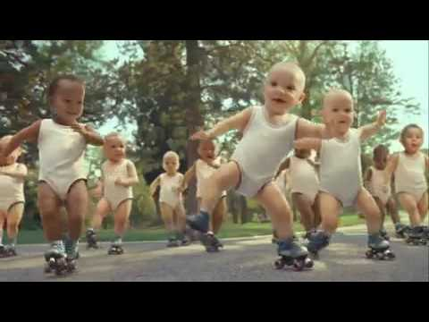 Witzige Evian Werbung mit Babys / Funny Evian Commercial with Babys (englisch / english)