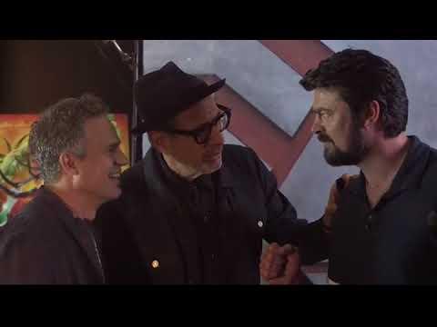Thor: Ragnarok Cast Rock Paper Scissors Tournament  Mark Ruffalo, Chris Hemsworth, Tom Hiddleston