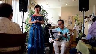東日本大震災の復興支援曲として、作られたそうです。震災の風化防止の...