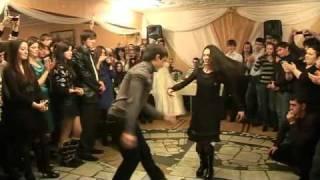 Осетинская Свадьба Алан Кокаев и Айдамир Мугу(Осетины Осетия Ossetian Dance., 2010-10-05T23:00:24.000Z)