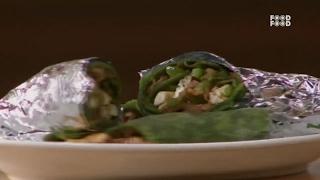 Sanjeev Kapoor Kitchen | Palakparantha with Cholli Paneer Stuffing | Master Chef Sanjeev Kapoor
