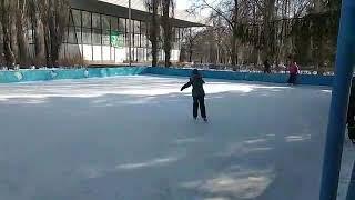 #Катаюсь на коньках.Видео урок по ласточке.