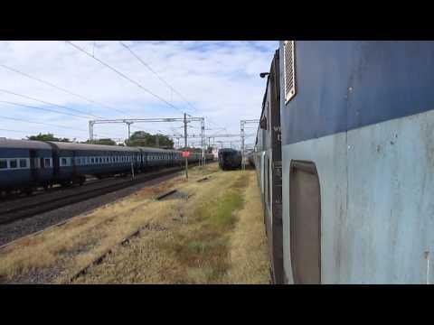 16723 Chennai Egmore-Thiruvananthapuram Central Ananthapuri Express entering Tirunelveli!