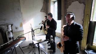 Velvet Lounge Band - Sing It Back.mp4(Sing It Back written by Moloko Arranged by Cian Boylan featuring Cormac Kenevey - Vocals with the Cian Boylan sextet [Velvet Lounge Band] Cormac Kenevey ..., 2012-06-07T13:55:22.000Z)