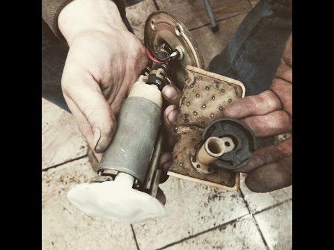 Автосервис и ремонт автомобилей. Замена памперса или фильтра бензонасоса