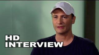 Paranoia: Director Robert Luketic On Set Interview