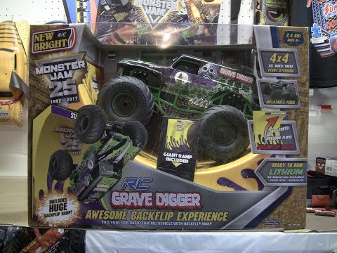 NEW BRIGHT RC Monster Jam GRAVE DIGGER Backflip Stadium Experience - Part 1 - Unboxing/Run