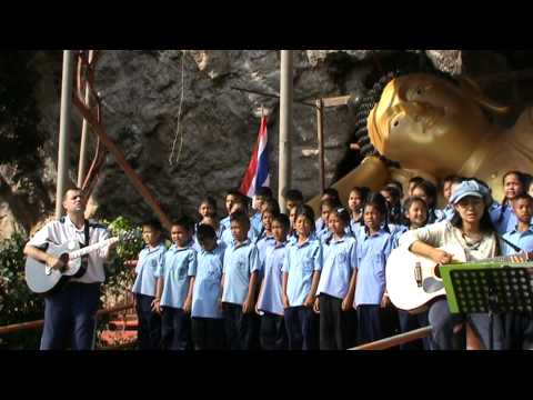The 'Rare auld Times' by Thai school children