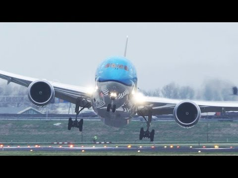 CRAZY Boeing 787 GO AROUND during a STORM at Amsterdam Schiphol