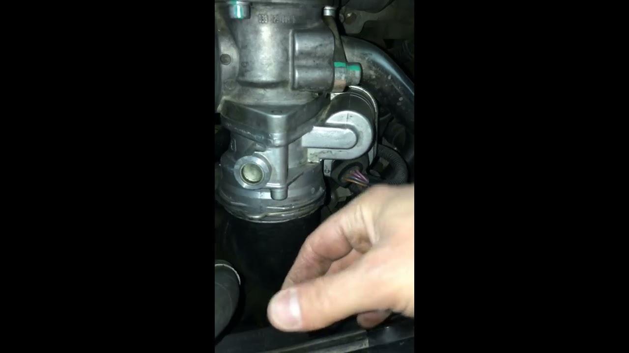 Prodotti Per Pulire Il Corpo Farfallato.Smontaggio E Pulizia Corpo Farfallato Audi A3 Golf Passat Parte 1