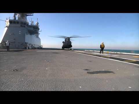 Evaluación del 'Chinook' a bordo del BPE 'Juan Carlos I'.