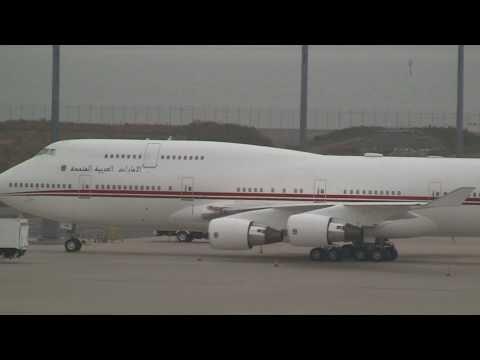 united-arab-emirates-dubai-air-wing-boeing-747-400-stay-in-nagoya