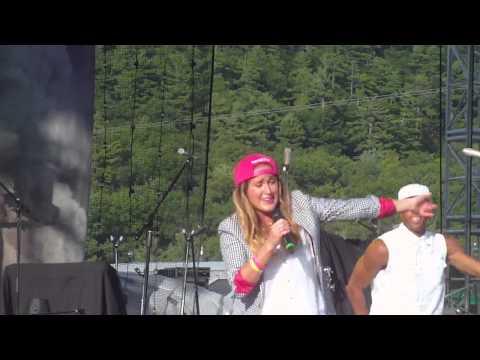 Britt Nicole - Gold (Live at Soulfest 2014)