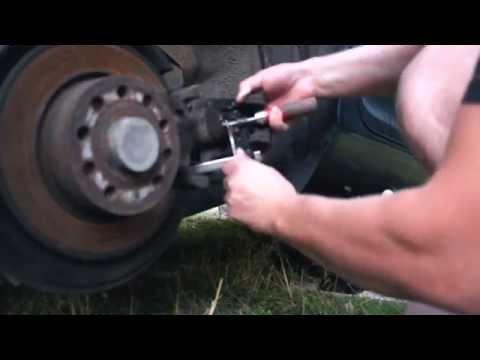 Замена задних колодок на VW,SKODA OCTAVIA A5 без специального съёмника