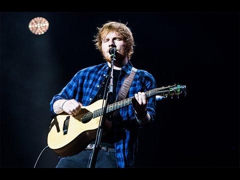 Ed Sheeran is Courtney Cox's wedding singer