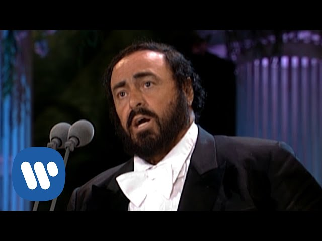 Luciano Pavarotti sings