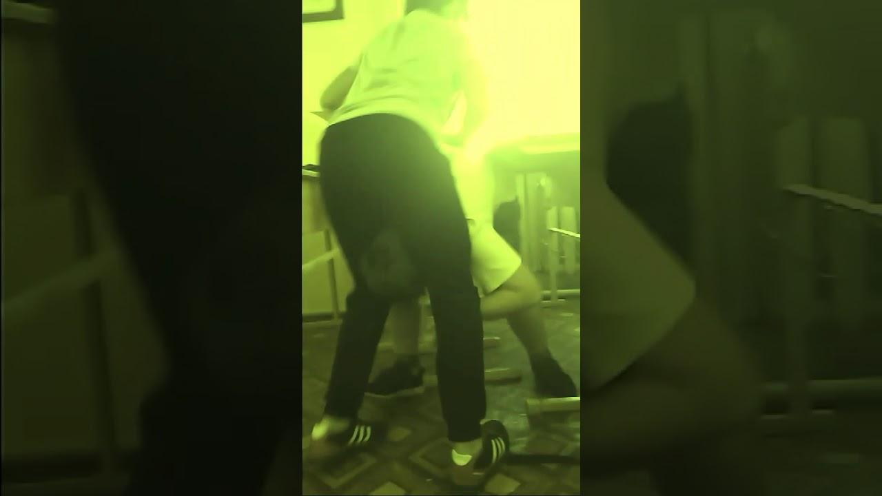 Голая тамара сосет у дворника видео, всунул сисястой мамке видео