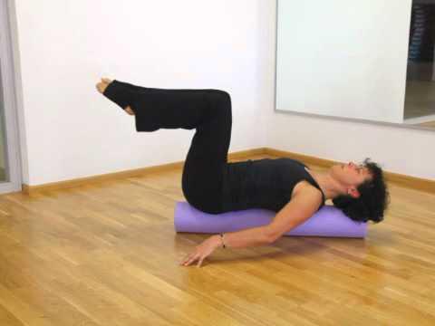 Pilates Übungen auf der Rolle (deutsch)  Workout mit Petra Kühner