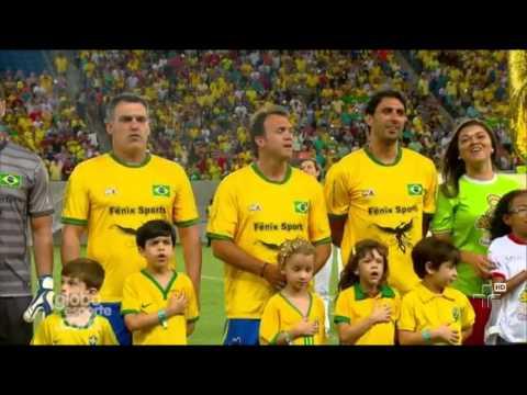Petkovic Canta O Hino Nacional Brasileiro Em Partida - 25/11/2014