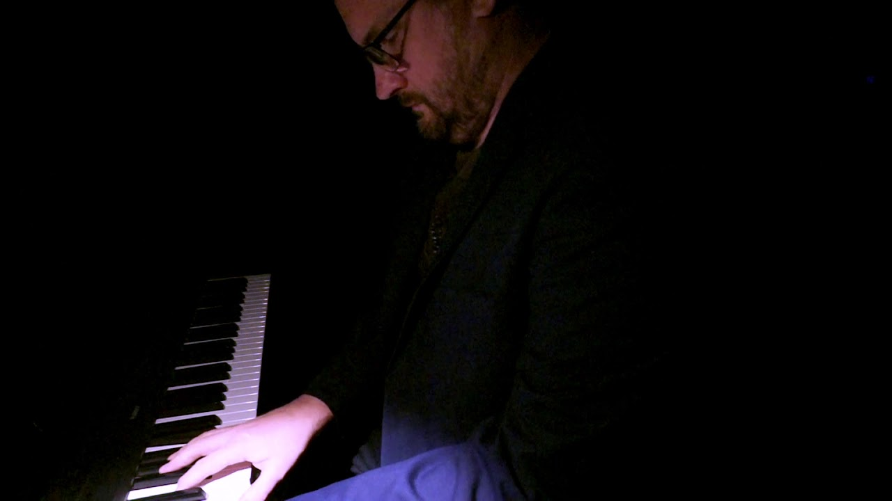 Ric Mills performing 'Deep Sleep No.1 - Delta' from Sleep Cycle. (SYDNEY)