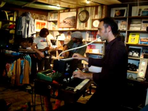 Neil Halstead -- Seasons [7/15] LIVE at Mollusk Surf Shop, Venice Beach CA 5-8-2012
