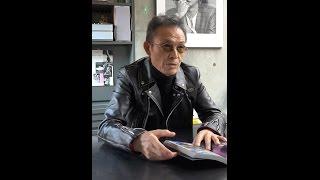 昨年ビームスより発売された『SELF PORTRAIT』を操上氏が自ら解説。 記...