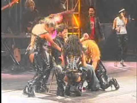 luis fonsi - irresistible (live abrazar la vida concert 2003).wmv