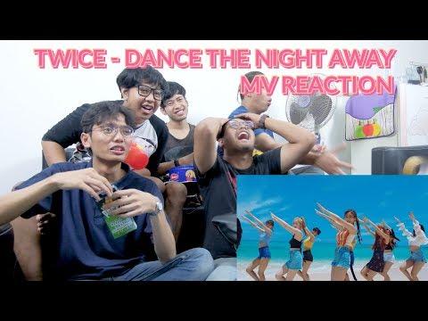 """""""GAK SANGGUP MAU BERENANG AJA TERLALU .......""""   TWICE - DANCE THE NIGHT AWAY MV REACTION Mp3"""