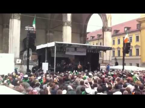 Johnny Logan Hold Me Now Munich St Patricks Day parade 2011 part 1