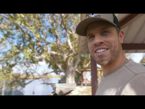 "Dustin Lynch - Making Of The ""Ridin' Roads"" Music Video"