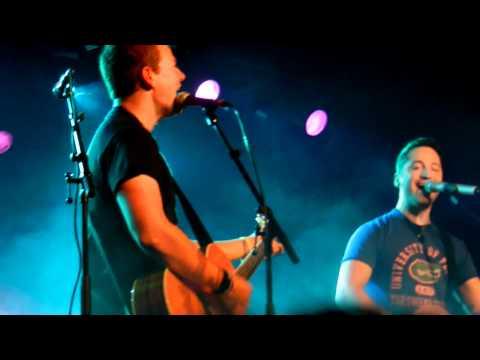 Tyler Ward & Alejandro Manzano live 19.11.2011 Berlin - Fix You HD